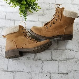 American Eagle Lace Up Boots Size 9